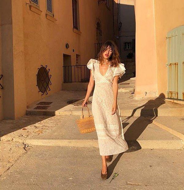 Jeanne Damas  - vestido-girlie-street-style - vestido-girlie-colorido-street - verão - street-style