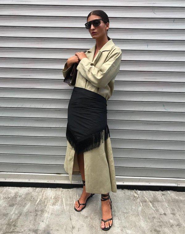 Katarina Petrovic - vestido-militar-lenço-preto - lenço - verão - street style