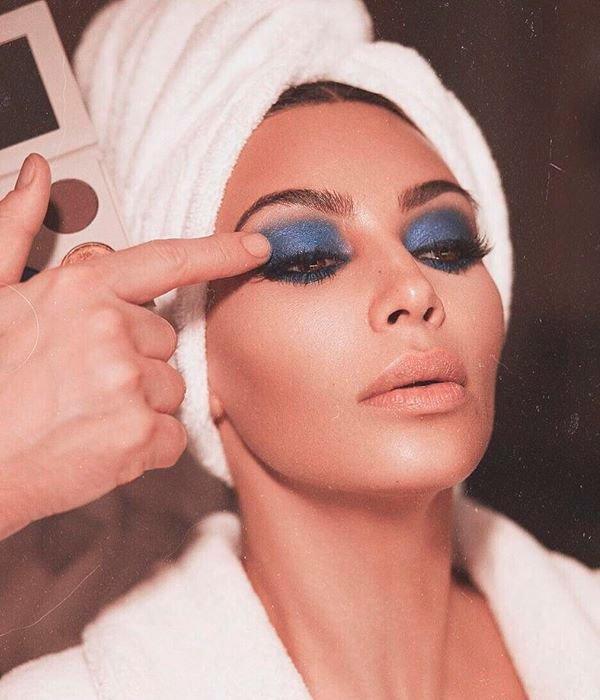 Kim Kardashian - maquiagem-sombra-beleza - make colorida - verão - estúdio