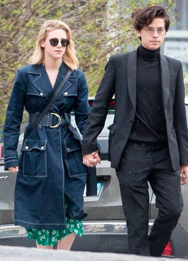 lili heinheart - cole sprouse - street style - look - casal