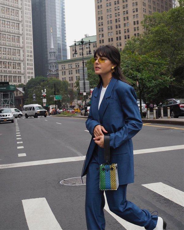 Maria Bernad  - blazer-calca-camiseta - blazer - verão - street style