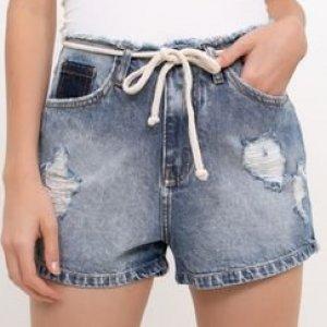 Short Jeans com Cós Desfiado e Amarração
