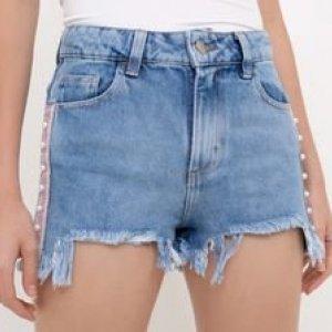 Short Jeans com Faixa Lateral e Pérolas Artificiais