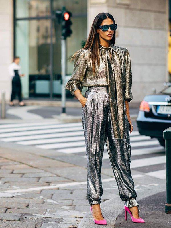 Gilda Ambrosio - blusa-e-calça-metalizada - metalizado - verão - street-style