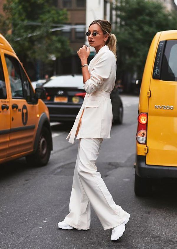 danielle - bernstein - look - all  - white