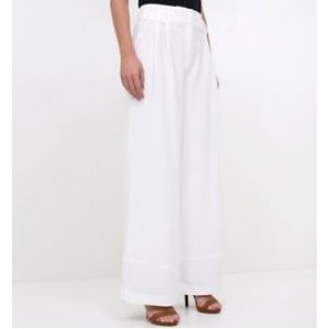 Calça Pantalona com Bolsos