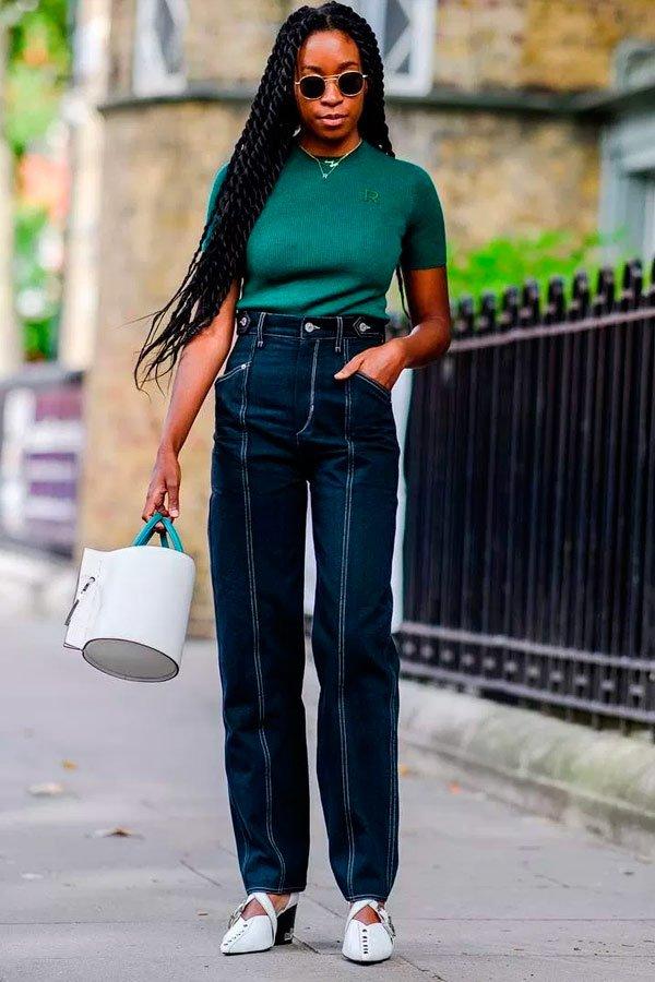 Chrissy Rutherford - blusa-verde-calça-jeans - jeans - verão - street-style
