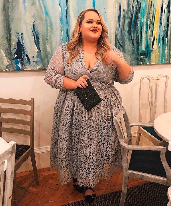 Chloe Elliott - look - vestido - renda - romantico