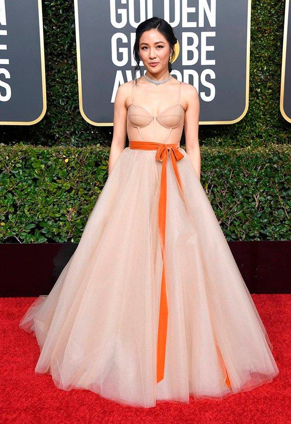 Constance Wu - vestido - golden - globes - look