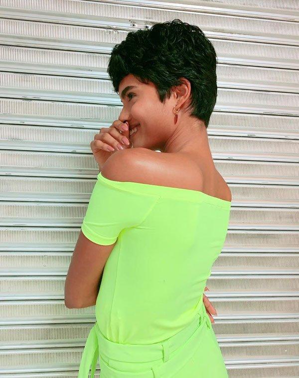 Luanna Pinheiro - calça-neon - neon - verão - street style 2019