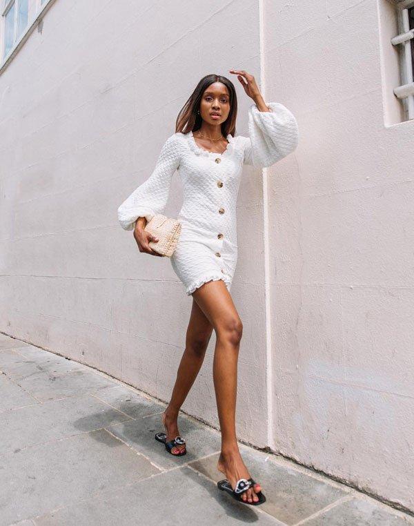 Natasha Ndlovu - vestido-flat - flat - verão - street style 2019
