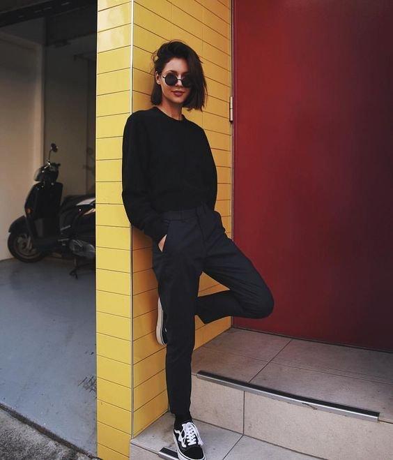 Petra - calça de alfaiataria e tênis - alfaataria com tênis - meia-estação - street style