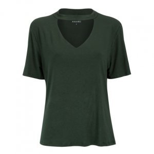 T-Shirt Decote V E Choker Viscose