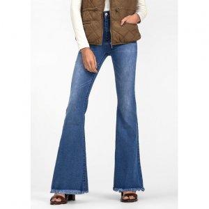 Calça Jeans Na Base Flare Petit Com Barra Desfiada