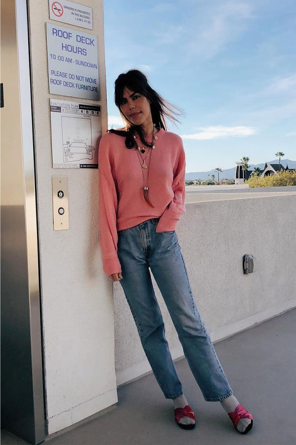 Catharina Dieterich - calça mom jeans e suéter - calça jeans - outono/INVERNO - Los Angeles