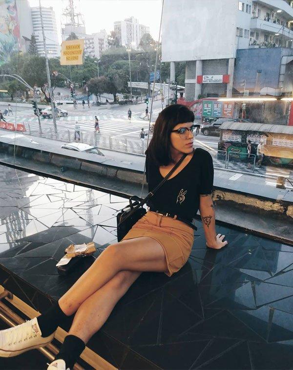 Julia Abud - t-shirt-saia-meia-all-star - All Star - verão - street style 2019