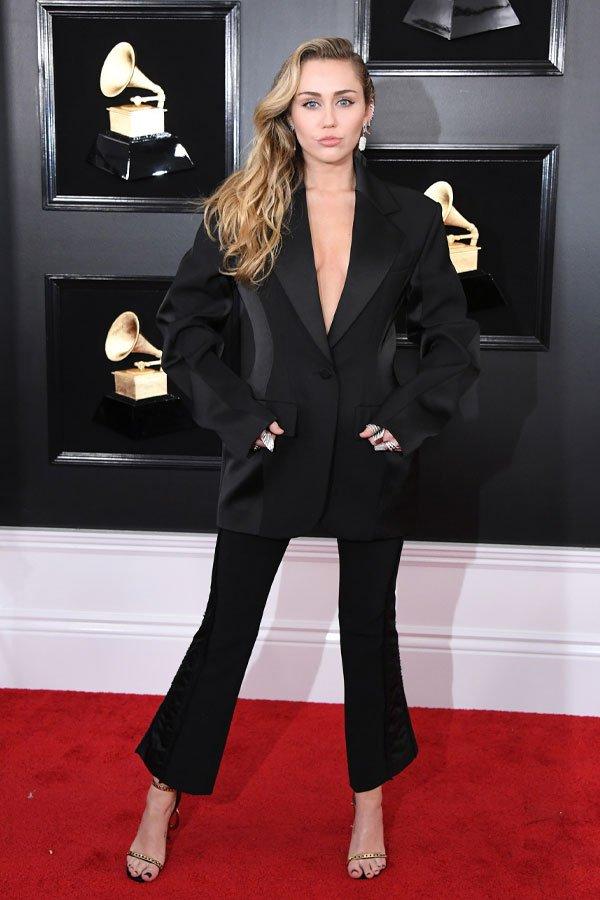 Miley Cyrus - terninho preto - conjuntos - meia-estação - grammy awards