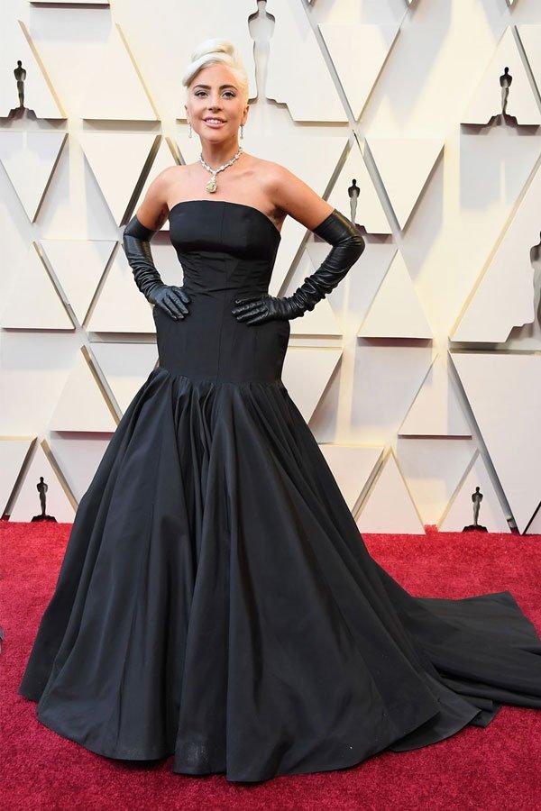 Lady Gaga - vestido - alexander mcqueen - tiffany co - oscar 2019