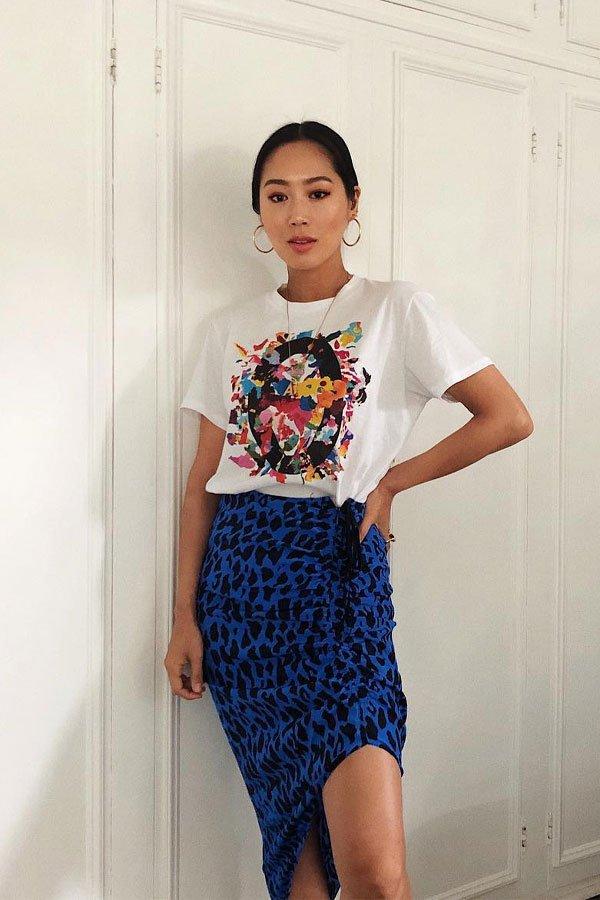 Aimee Song - camiseta e saia midi - saia midi - meia-estação - street style