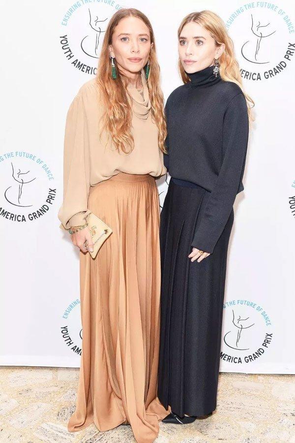 Ashley e Mary-Kate Olsen - saia longa e sueter - olsen  - outono/INVERNO - street style
