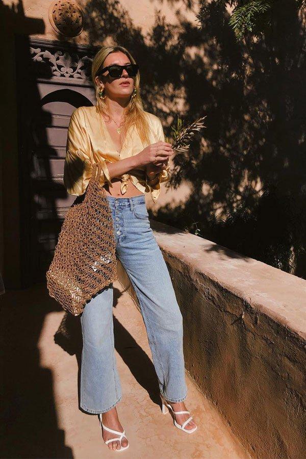 Camille Charriere - calça e camisa - camisa de seda - meia-estação - street style