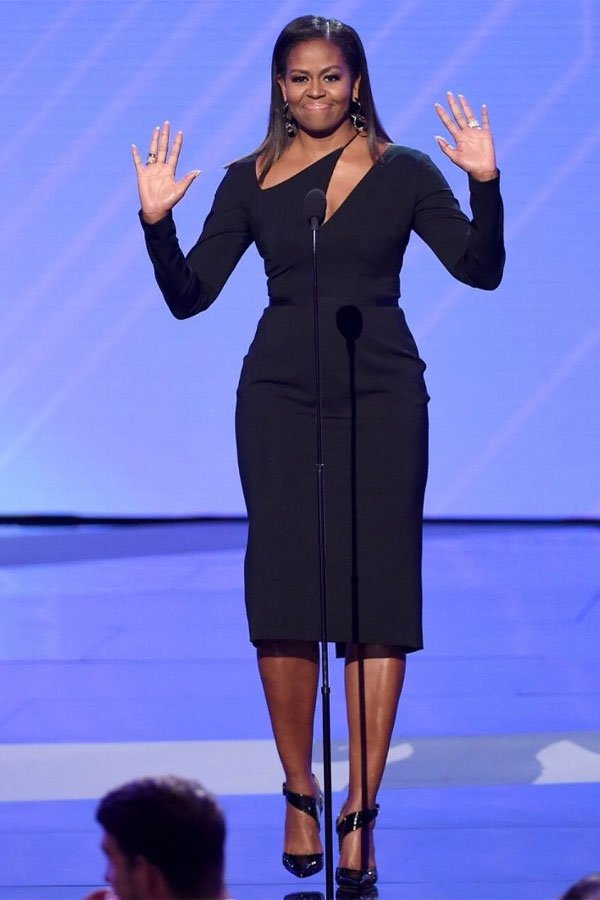 Michelle Obama - vestido preto - vestido - meia-estação - street style
