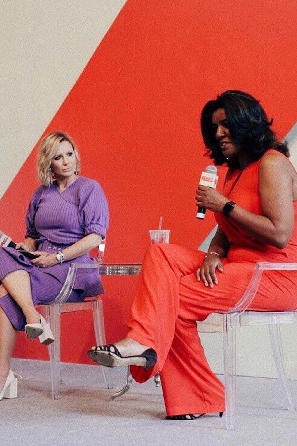 Mônica Salgado e Rachel O. Maia -      -      -      - push