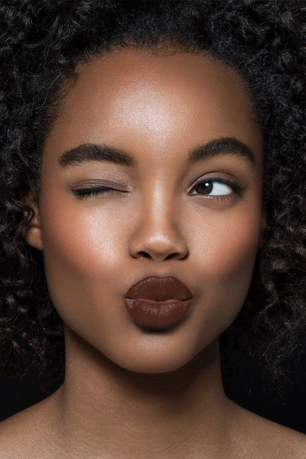 reprodução pinterest - sobrancelhas - maquiagem - design - rosto