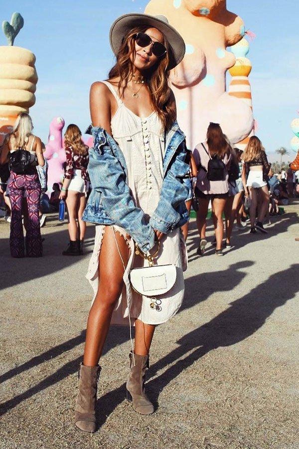 reprodução pinterest - vestido e jaqueta jeans - festival - verão - festival