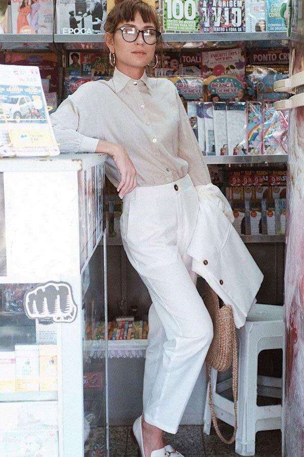 Isadora Modenesi - camisa e calça de alfaiataria  - camisa - meia-estação - street style