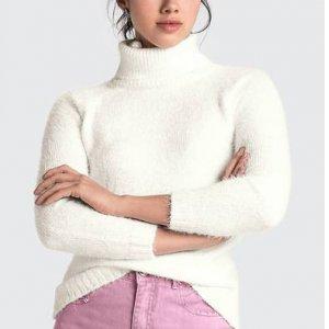 Suéter Em Tricô Com Gola Alta