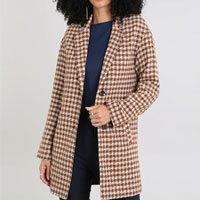 casaco feminino longo estampado xadrez caramelo