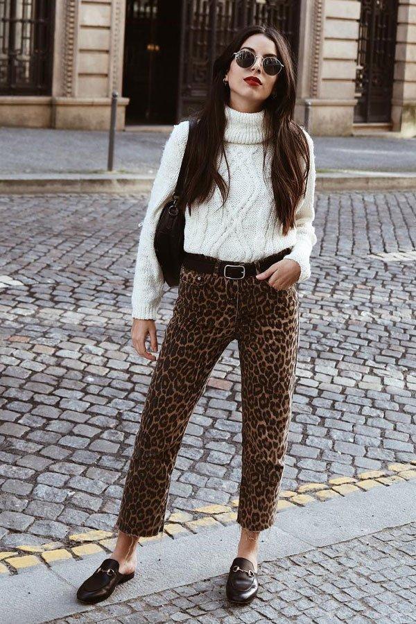 helena martins - calça de oncinha e tricot - tricot - inverno - street style