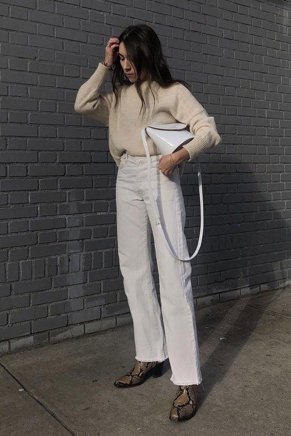 Lauren Caruso - bota snake print - jeans branco - meia-estação - street style