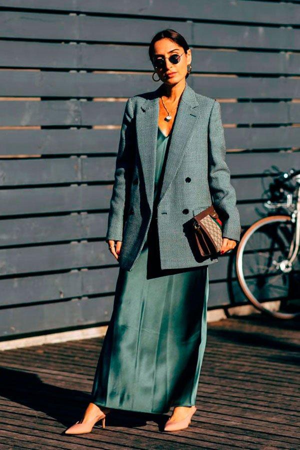 reprodução pinterest - vestido com blazer - vestidos no inverno - inverno - street style