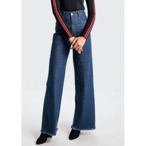 Calça Jeans Pantalona Com Barra Desfiada