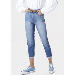 Calça Jeans Mom Com Efeito Estonado
