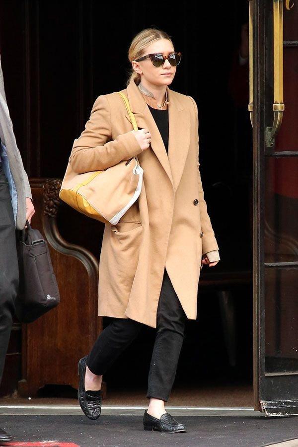 Ashley Olsen - casaco e calça - olsen twins - inverno - street style