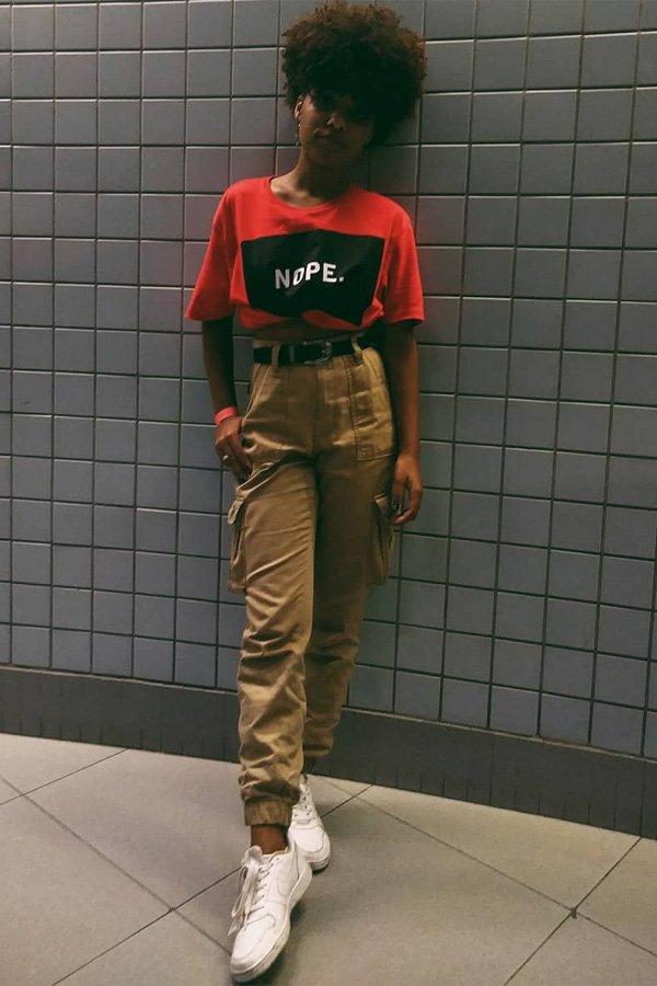 Claudiana Ribeiro - camiseta e calça cargo - calça cargo - inverno - street style