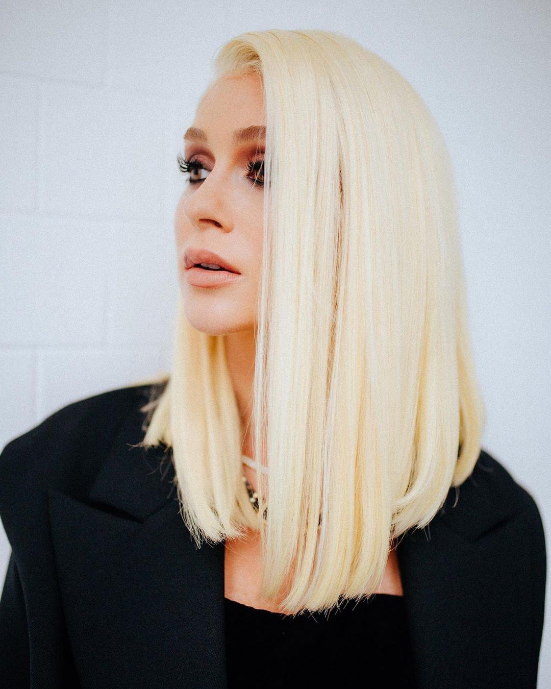 Marina Ruy Barbosa - Cabelo loiro - cabelo platinado - pintou - cabelo Loiro