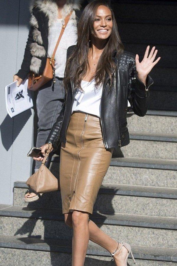 Joan Smalls - jaqueta de couro e saia lápis - jaqueta de couro - inverno - office look