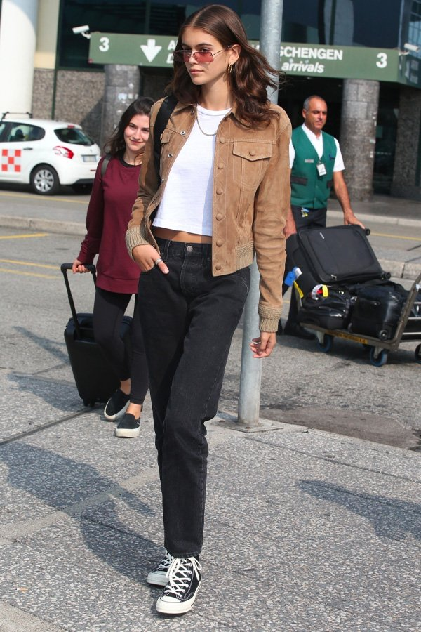 Kaia Gerber -       - all star converse - inverno - street style