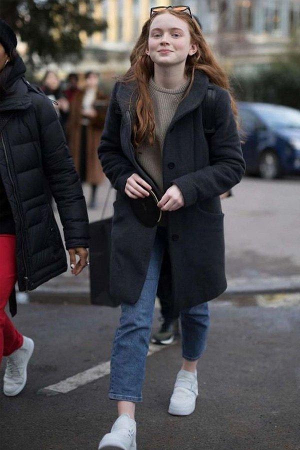 Sadie Sink - mom jeans - mom jeans - inverno - street style