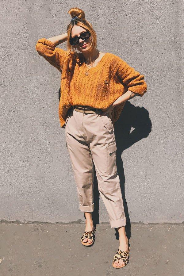 Ali Santos - calça de sarja e tricot amarelo - calça de sarja - inverno - street style