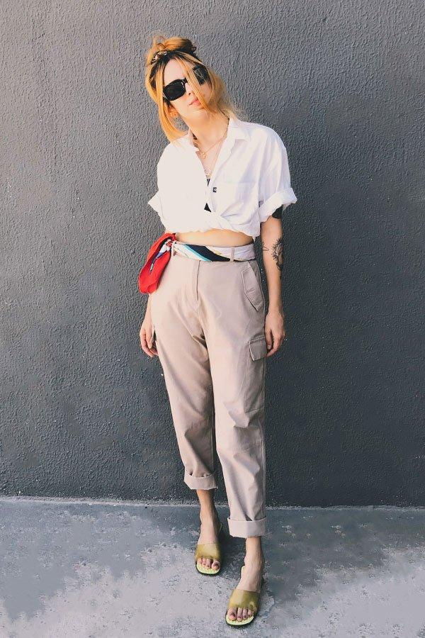 Ali Santos - calça de sarja com camisa branca - calça de sarja - inverno - street style