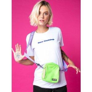 Camiseta Logo White - P Branco