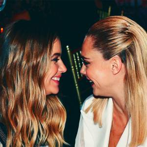 Couple goals: Cara Delevingne e Ashley Benson