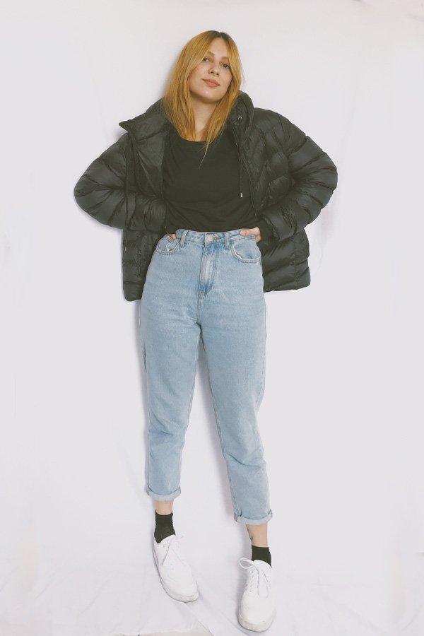 Ali Santos - calça jeans e jaqueta puffer - jaqueta puffer - inverno - street style