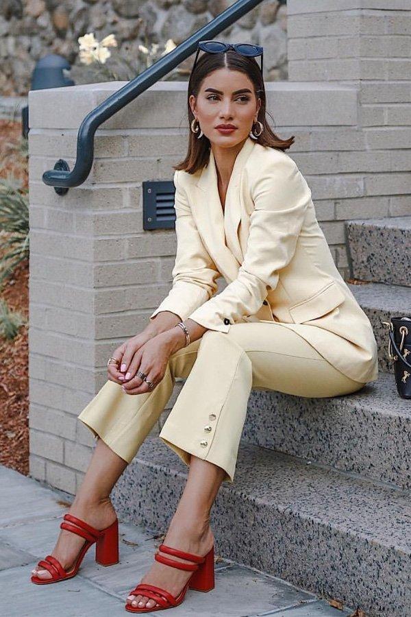 Camila Coelho - terninho amarelo` - sandália aberta - verão - street style