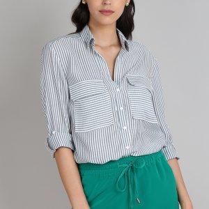Camisa Feminina Listrada Com Bolso Manga Longa Off White